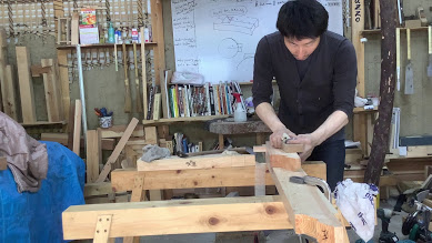 Why Carpenter Takami doesn't use the workbench?